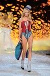 Victorias-Secret-Defiesi-2011-15