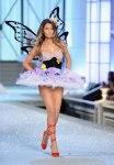 Victorias-Secret-Defiesi-2011-22