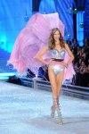 Victorias-Secret-Defiesi-2011-28