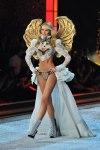 Victorias-Secret-Defiesi-2011-5